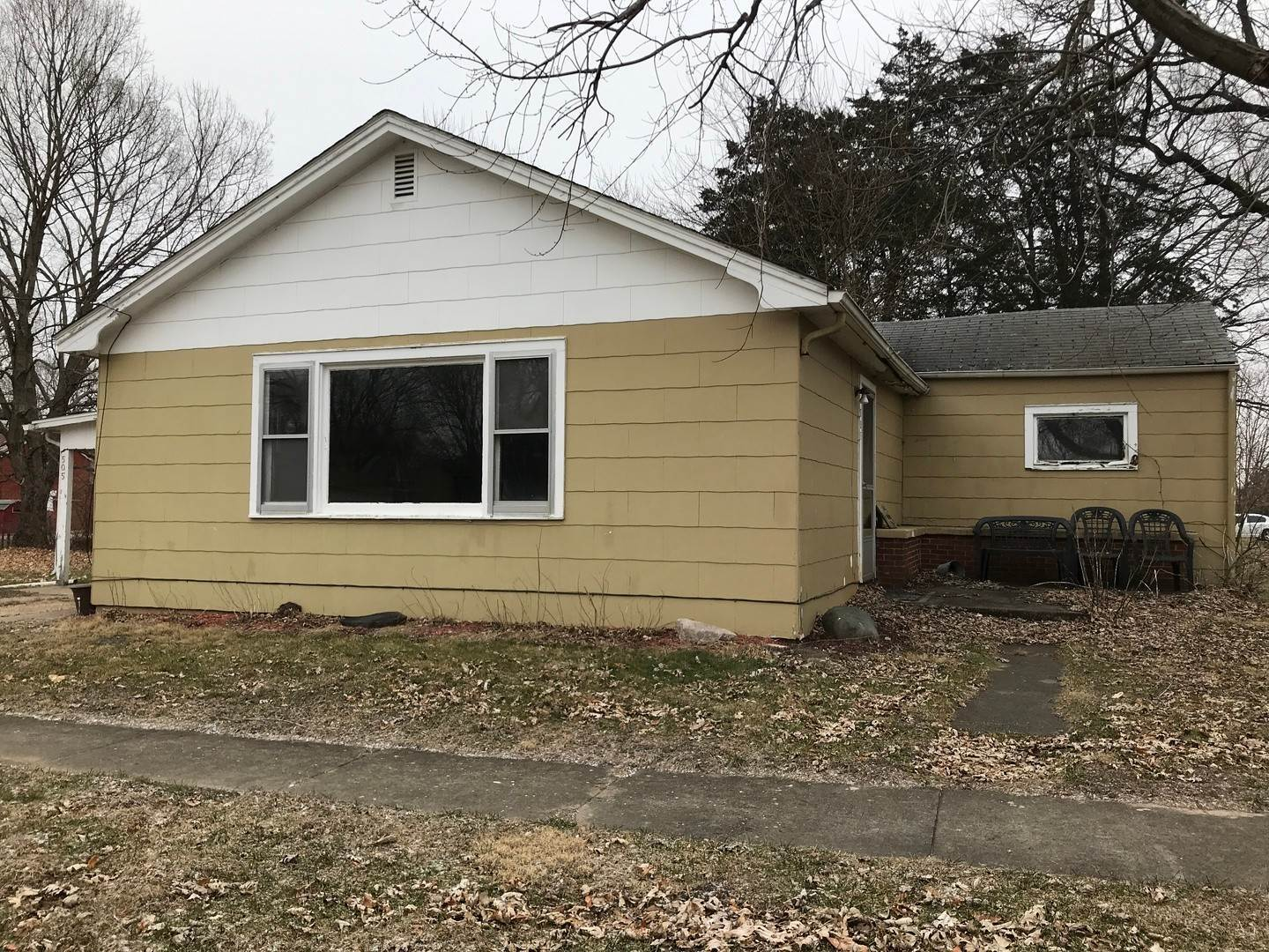 Single Family Homes for Sale at 505 E Church Street Tiskilwa, Illinois 61368 United States