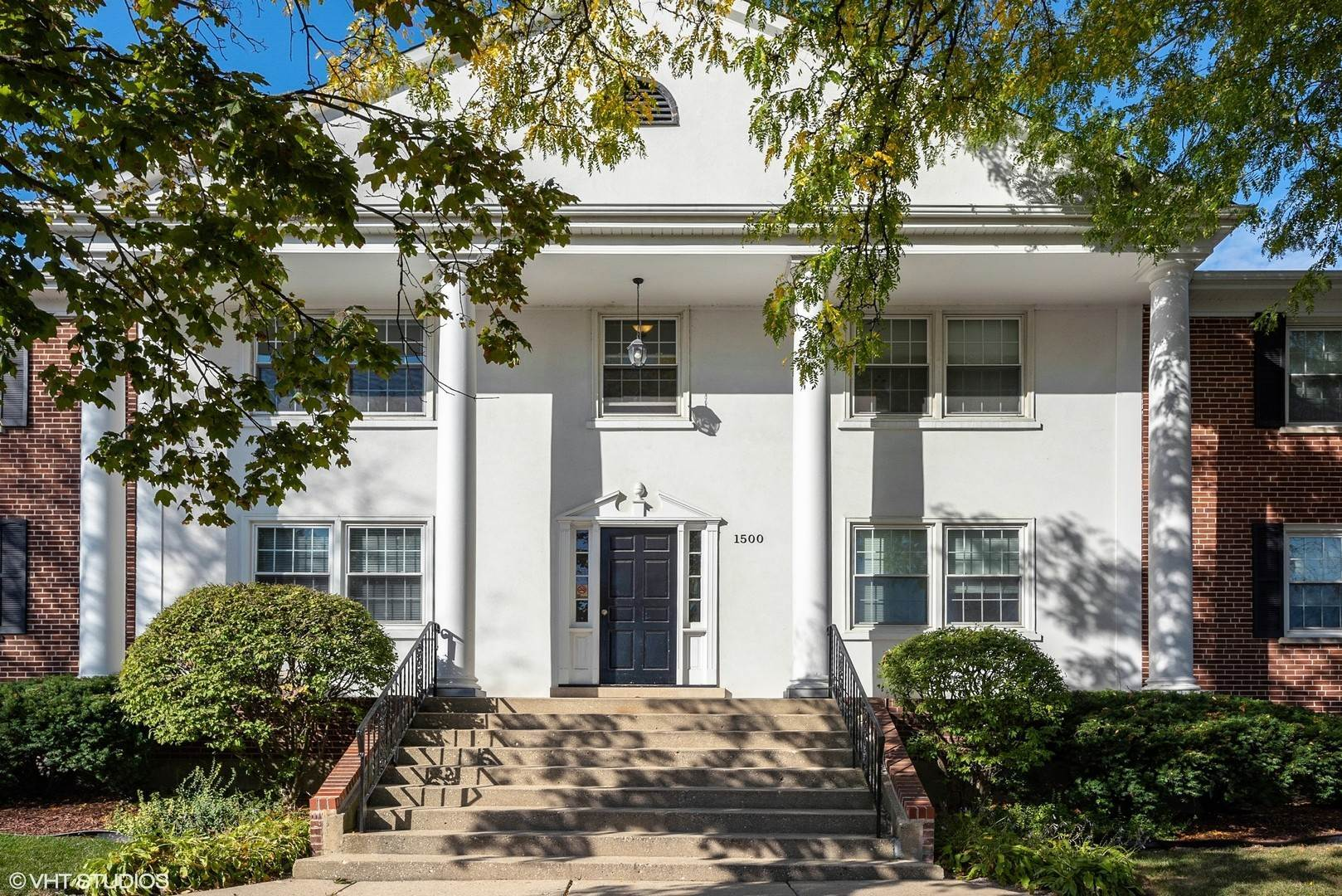Residential Income for Sale at 1500 W Touhy Avenue Park Ridge, Illinois 60068 United States