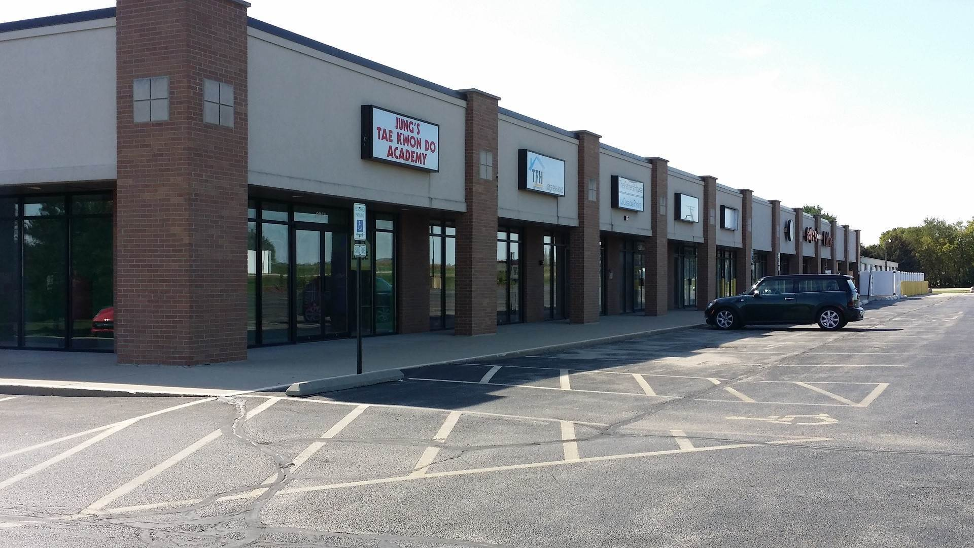 Commercial at 2249 Anderson Drive Belvidere, Illinois 61008 United States