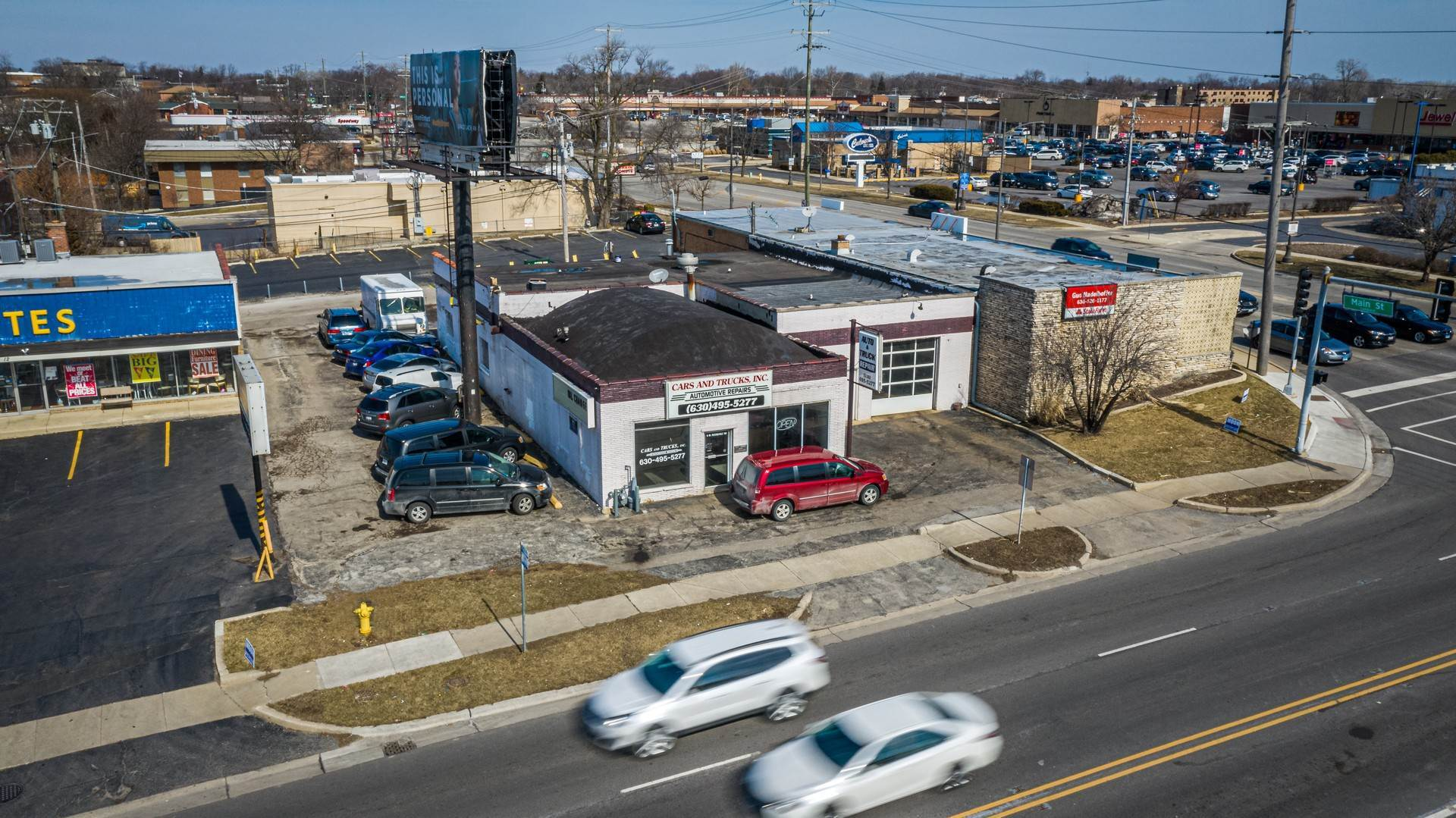 Commercial for Sale at 6 W Roosevelt Road Lombard, Illinois 60148 United States
