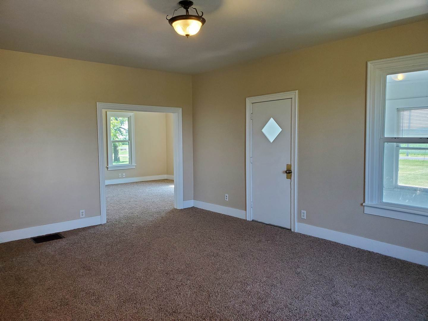 Single Family Homes for Sale at 975 Washington Road Prophetstown, Illinois 61277 United States