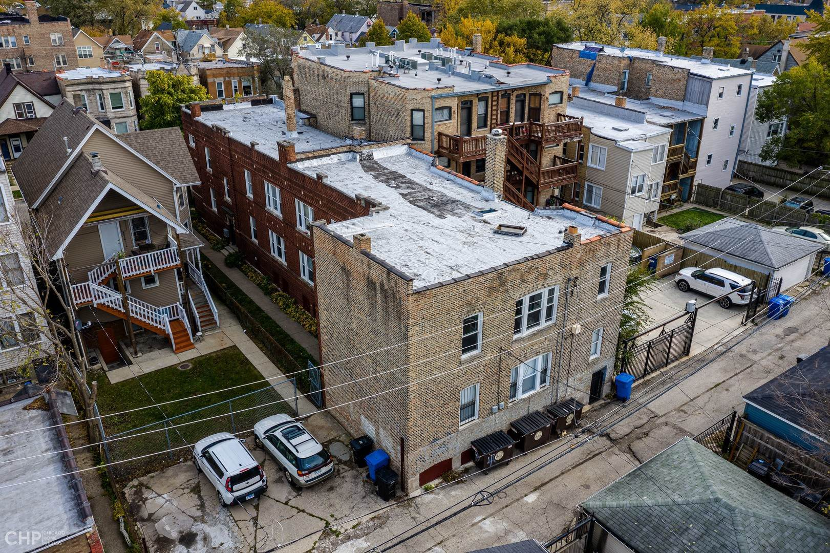Commercial for Sale at 2838 N Albany Avenue Chicago, Illinois 60618 United States
