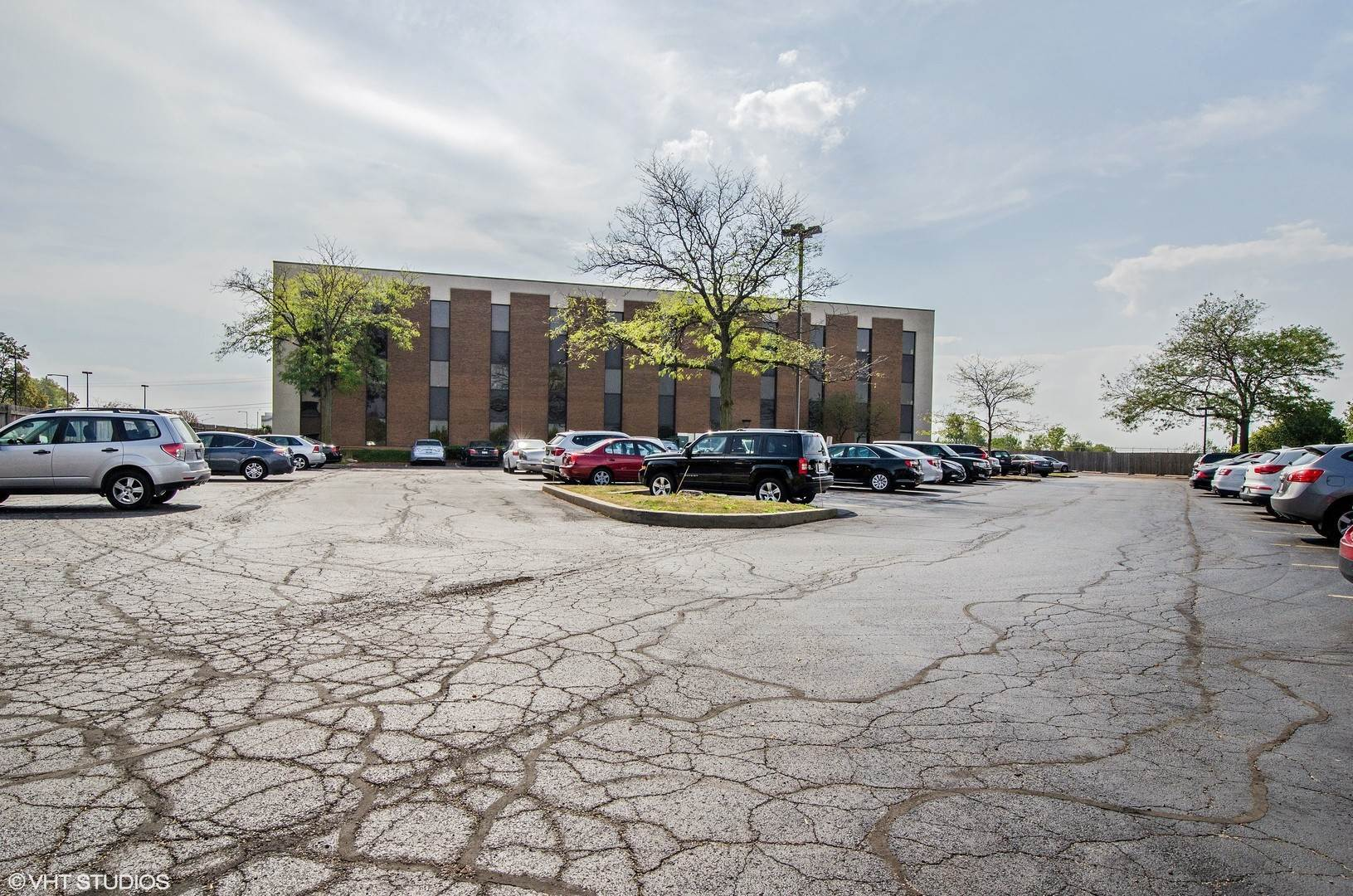 Commercial for Sale at 10700 W Higgins Road Rosemont, Illinois 60018 United States