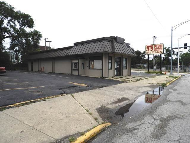 Commercial for Sale at 1606 Sheridan Road North Chicago, Illinois 60064 United States