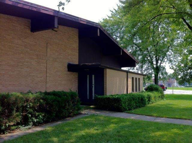 Commercial for Sale at 1001 S Linneman Road Mount Prospect, Illinois 60056 United States