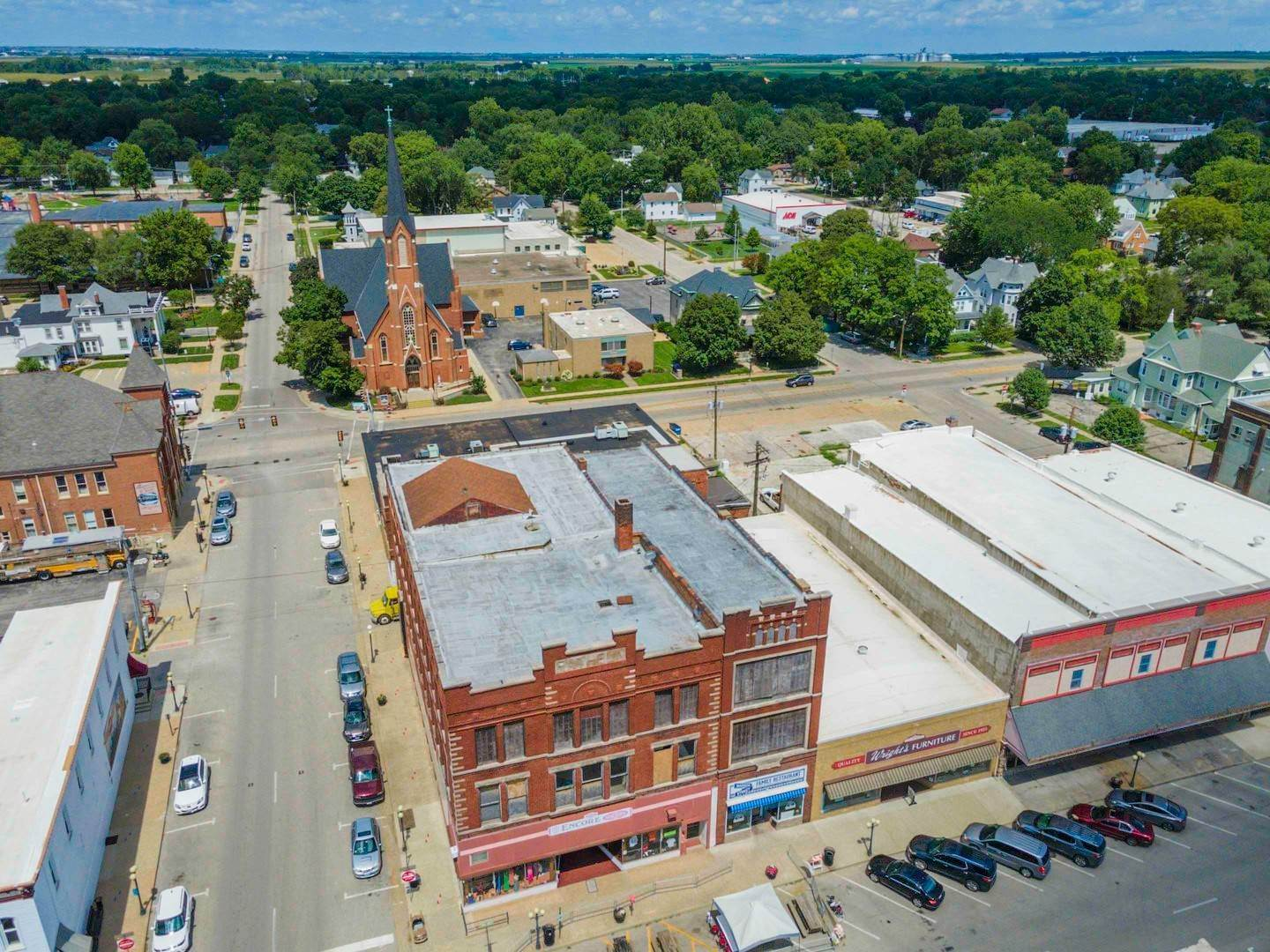 Commercial for Sale at 101 E Madison Street Pontiac, Illinois 61764 United States