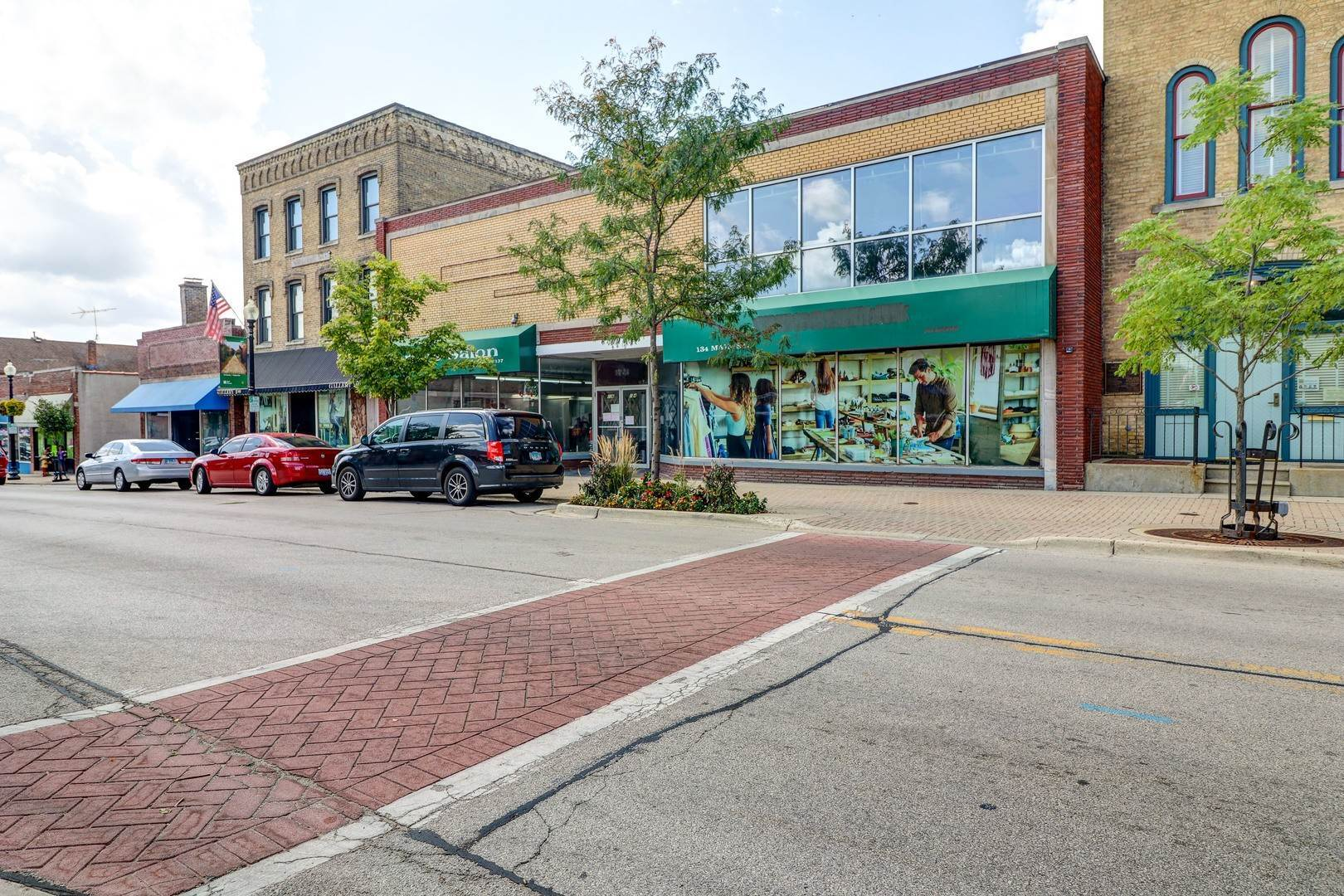 Commercial for Sale at 134 Main Street West Chicago, Illinois 60185 United States