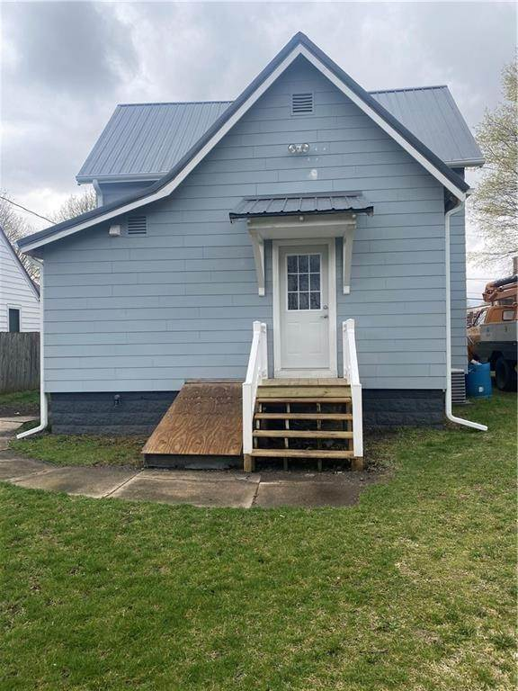 Single Family Homes for Sale at 608 W Main Street Hoopeston, Illinois 60942 United States