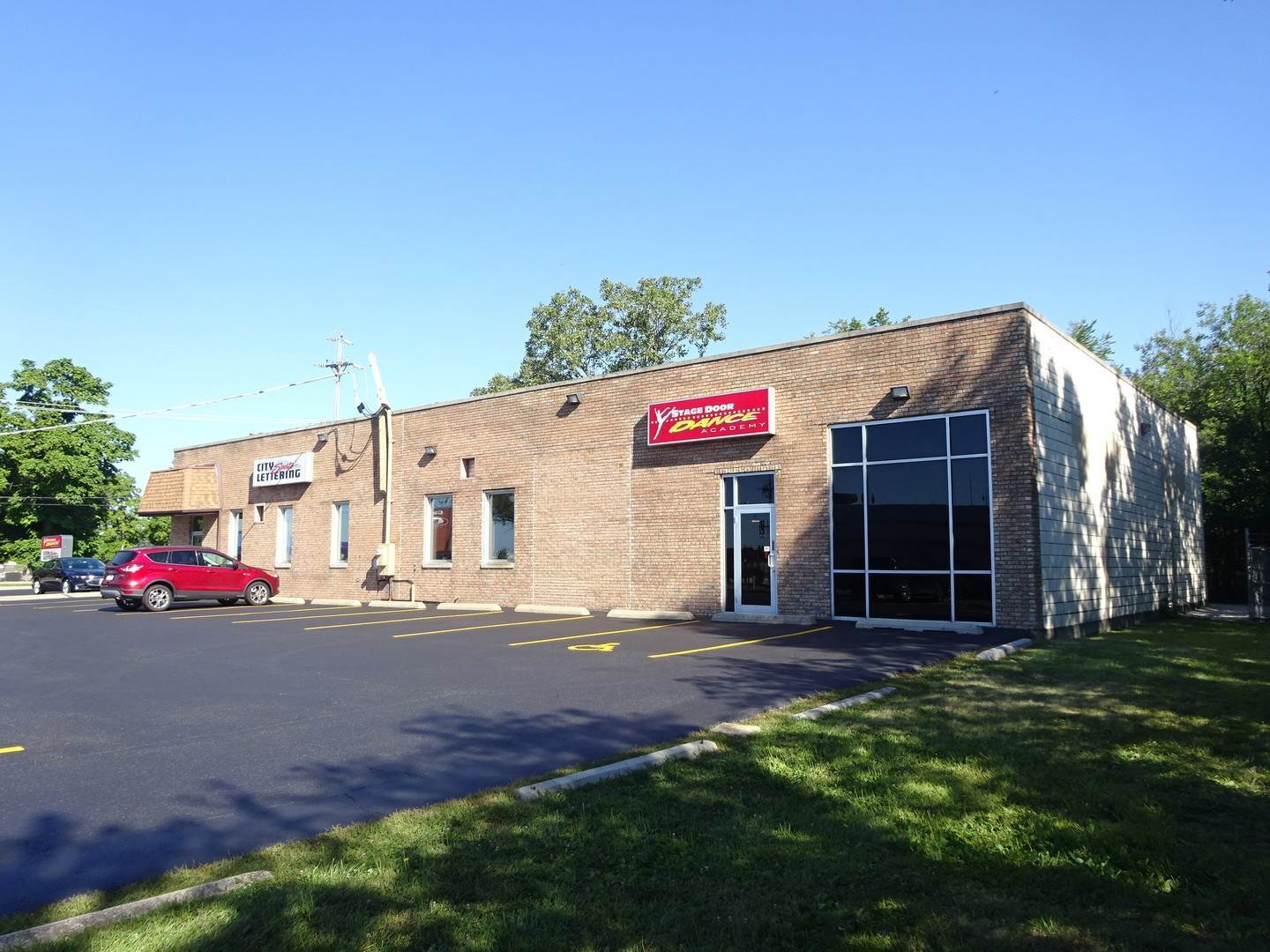 Commercial for Sale at 15801 Oak Park Avenue Oak Forest, Illinois 60452 United States