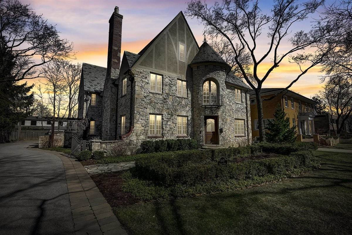 Single Family Homes for Sale at 1140 Sheridan Road Wilmette, Illinois 60091 United States