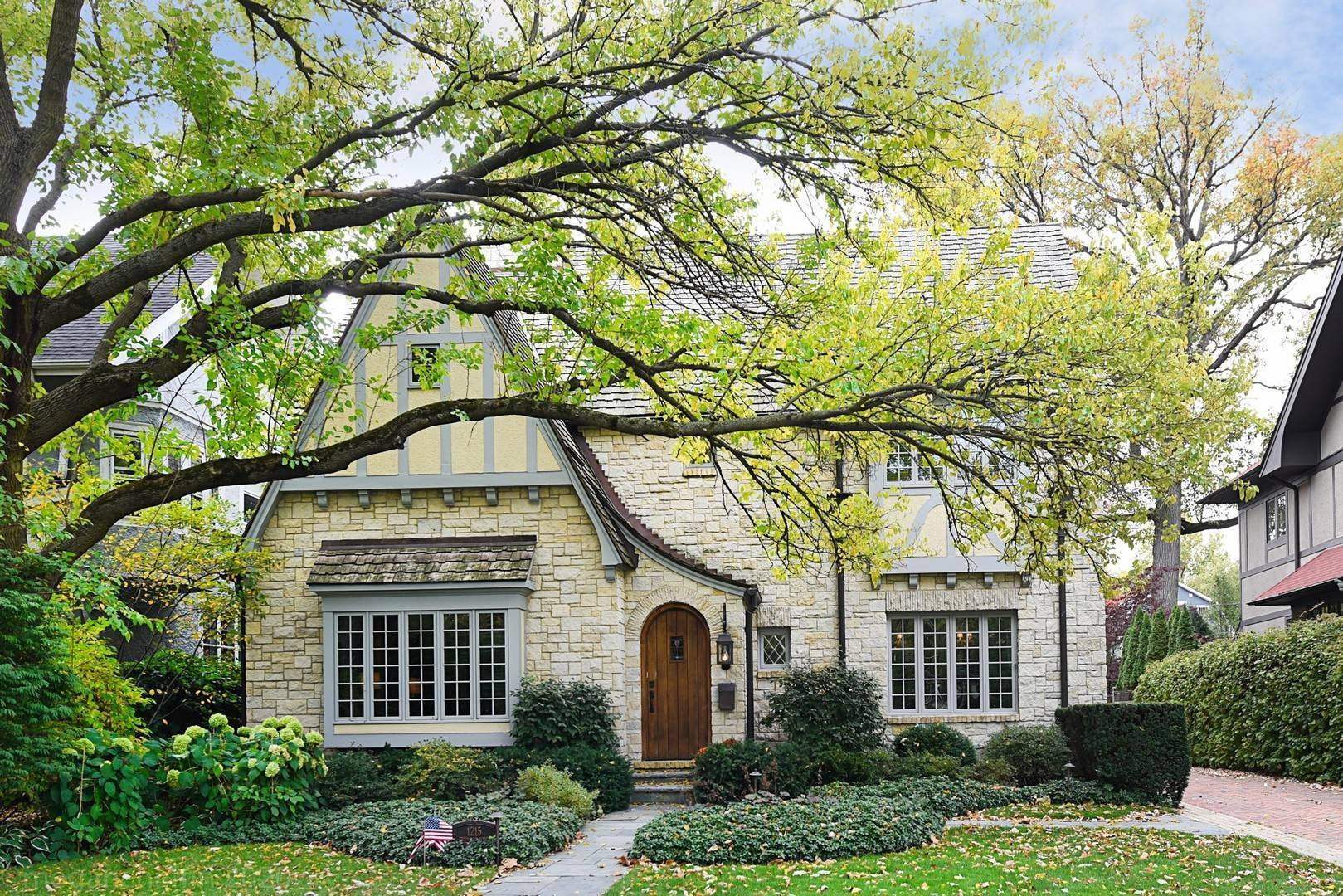 Single Family Homes for Sale at 1215 Greenwood Avenue Wilmette, Illinois 60091 United States