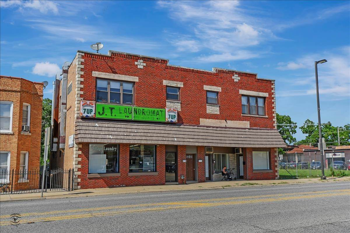 Commercial for Sale at 7410 W Archer Avenue Summit, Illinois 60501 United States