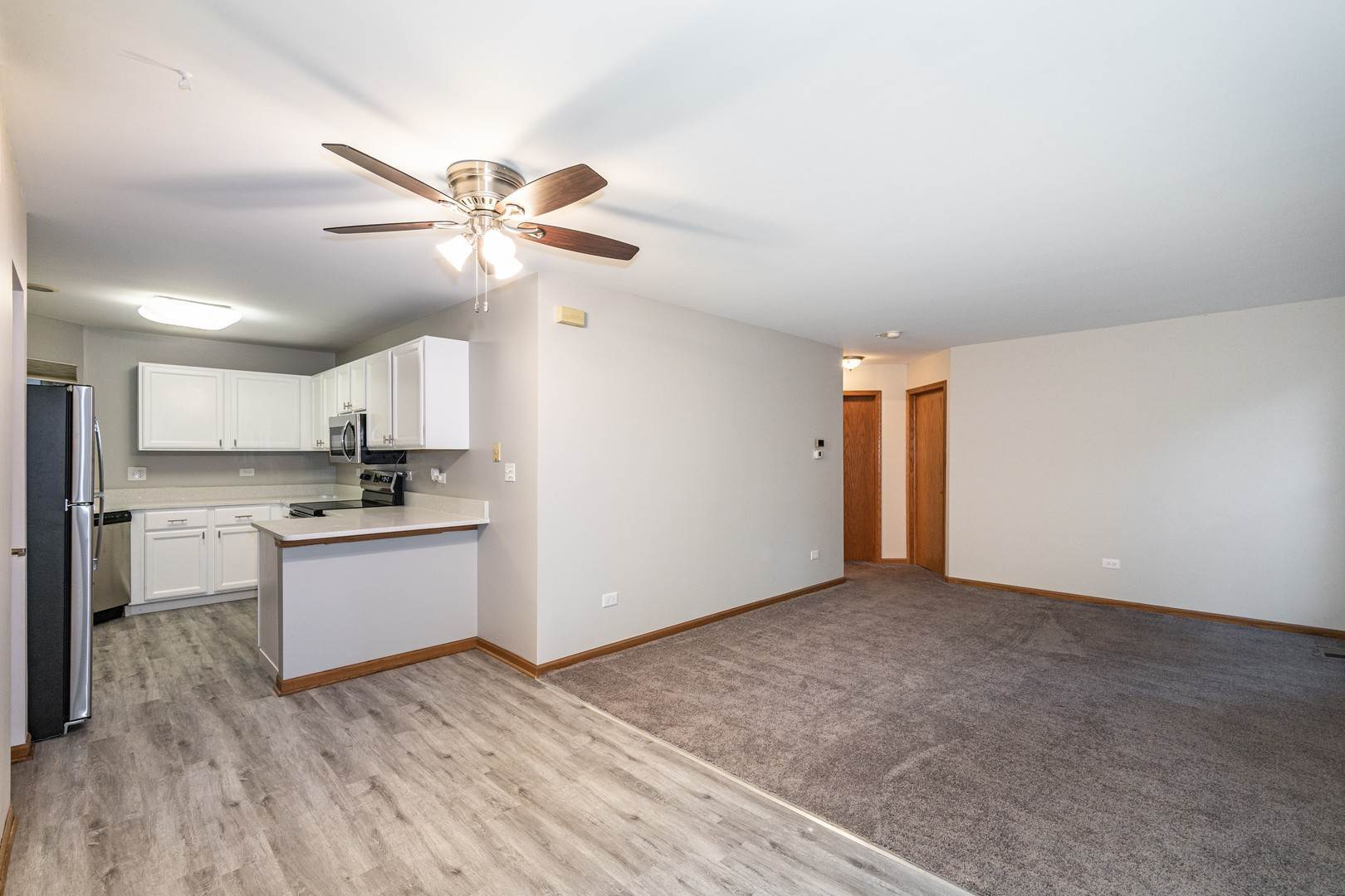 住宅租賃 在 214 N Cathy Lane Mount Prospect, 伊利諾斯州 60056 美國