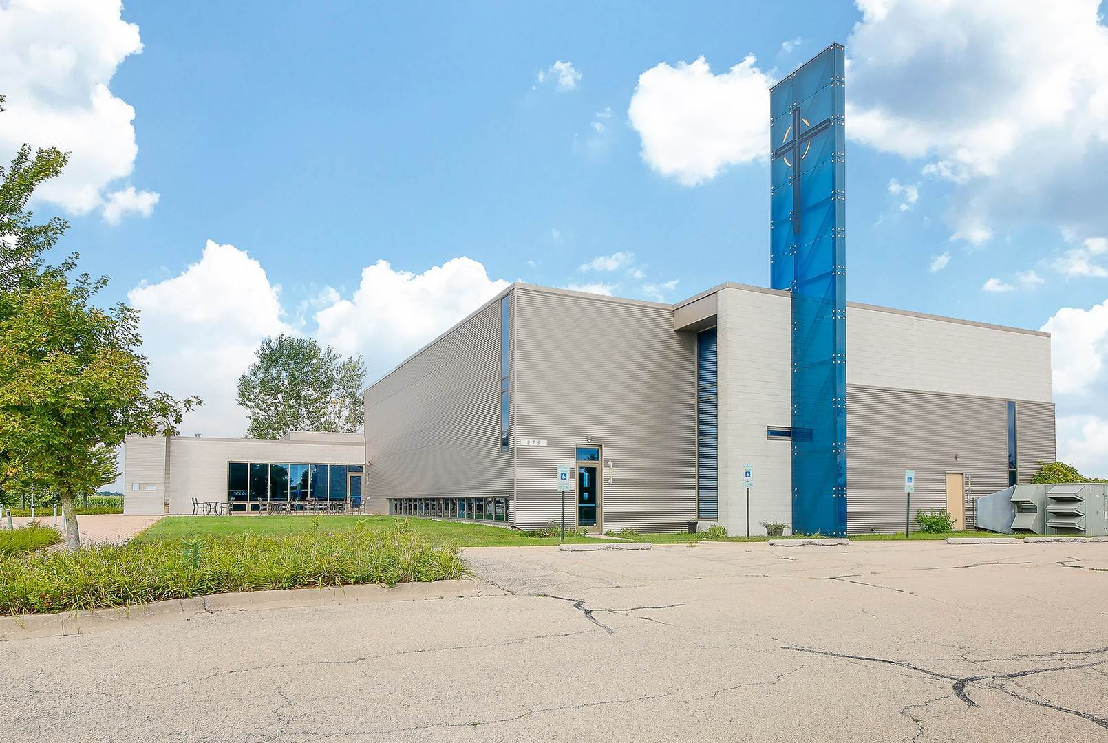 Commercial for Sale at 275 S Barnes Road Aurora, Illinois 60506 United States