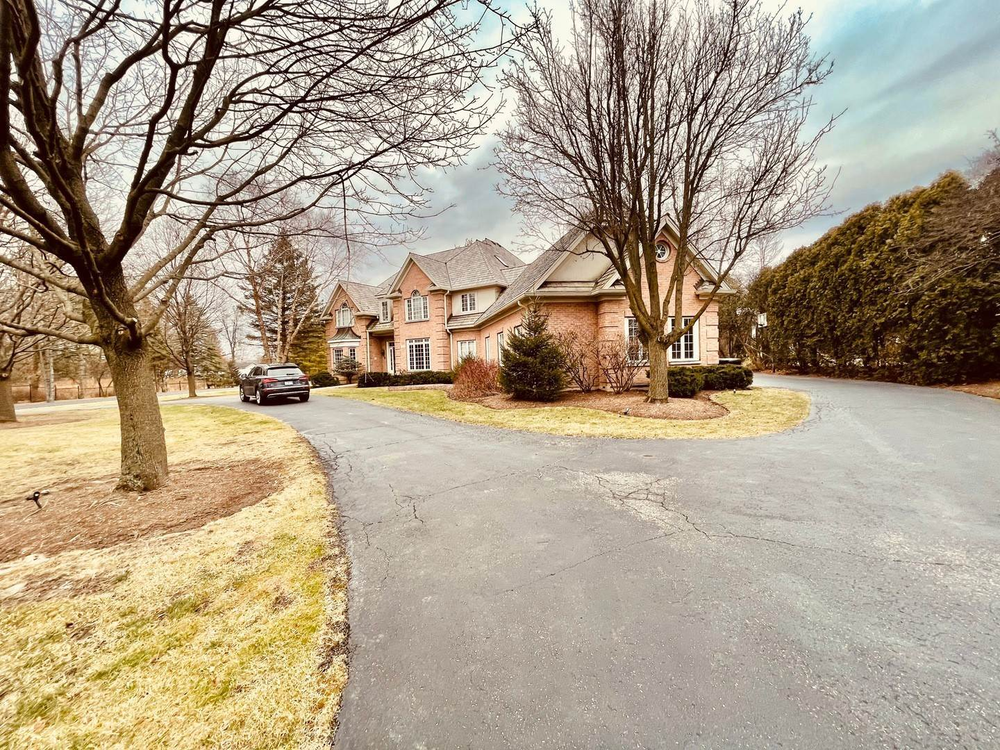 Property for Sale at 11 S Wynstone Drive Barrington, Illinois 60010 United States