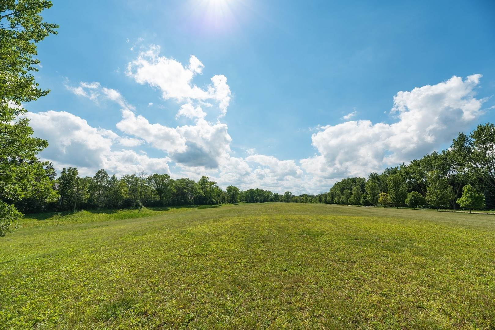 Land for Sale at Lot 9 Whitehall Lane Lake Forest, Illinois 60045 United States