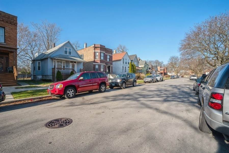 Residential Income for Sale at 6933 S Woodlawn Avenue Chicago, Illinois 60637 United States