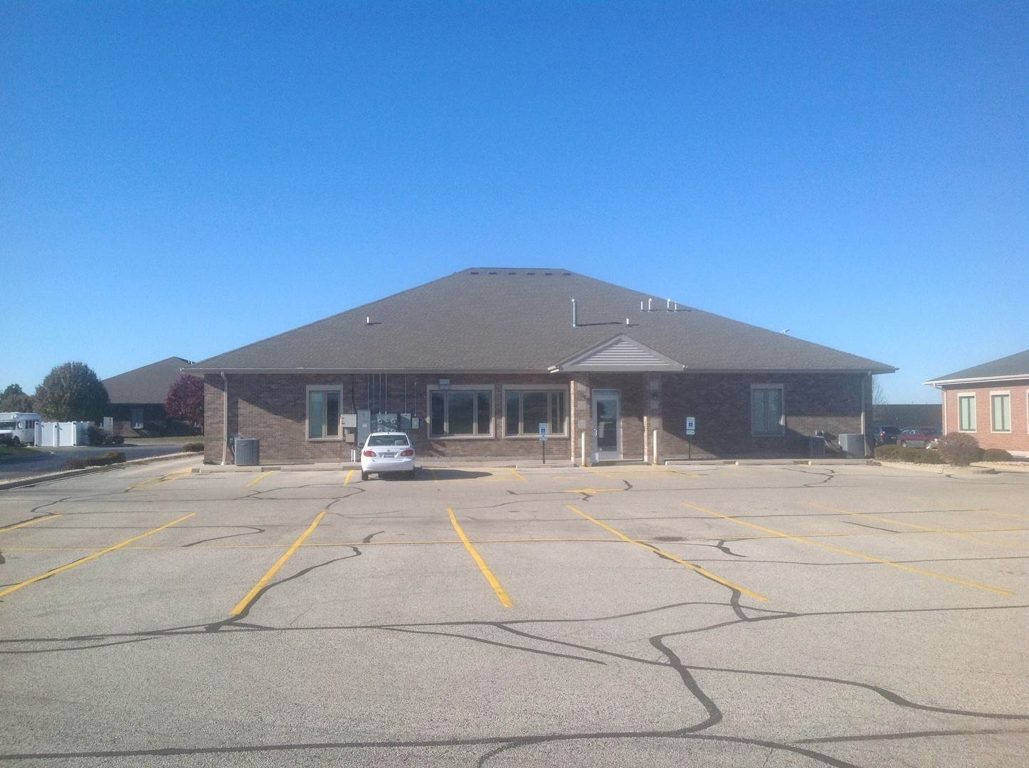 Commercial for Sale at 1830 Mediterranean Drive Sycamore, Illinois 60178 United States