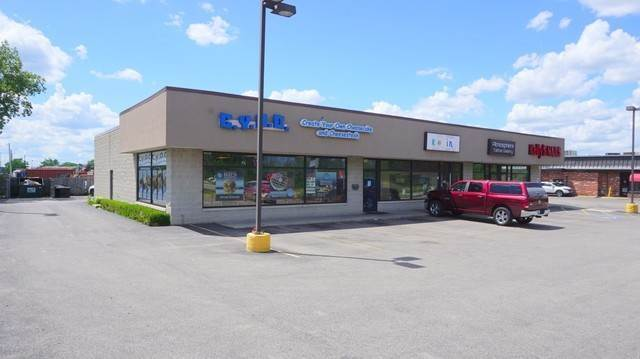 Commercial for Sale at 2314 Green Bay Road North Chicago, Illinois 60064 United States
