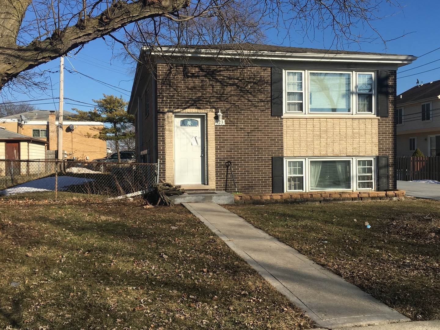 Residential Income for Sale at 323 Marshall Road Bensenville, Illinois 60106 United States