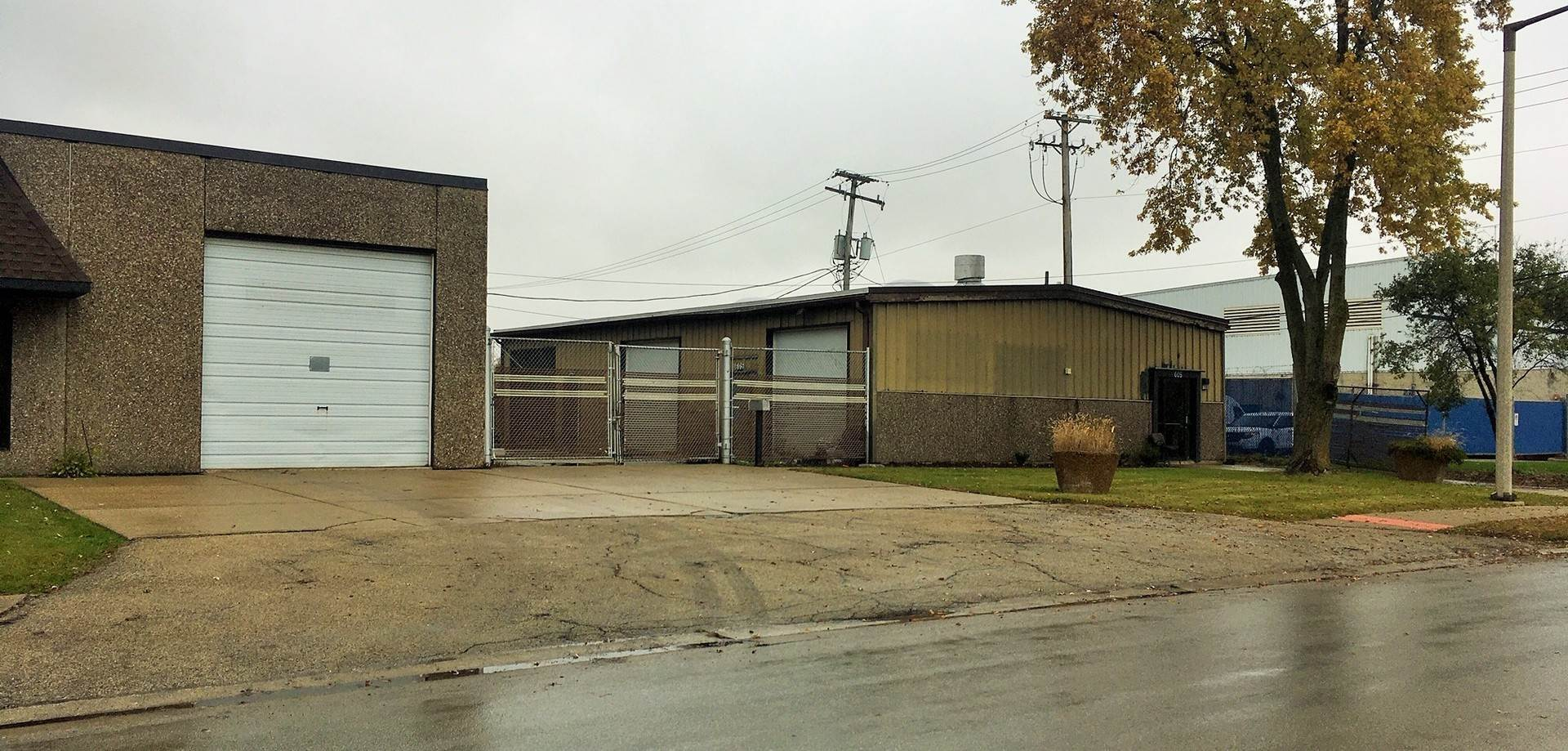 Commercial à 605 E Jefferson Street Bensenville, Illinois 60106 États-Unis