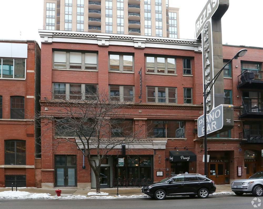 Commercial for Sale at 434 W Ontario Street Chicago, Illinois 60610 United States
