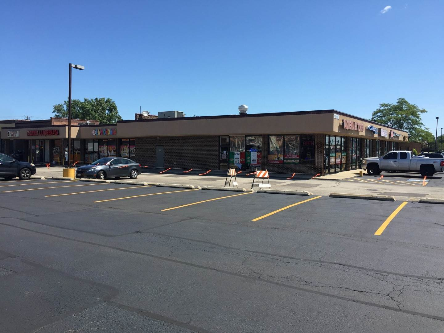 Commercial at 211 Grand Avenue Bensenville, Illinois 60106 United States