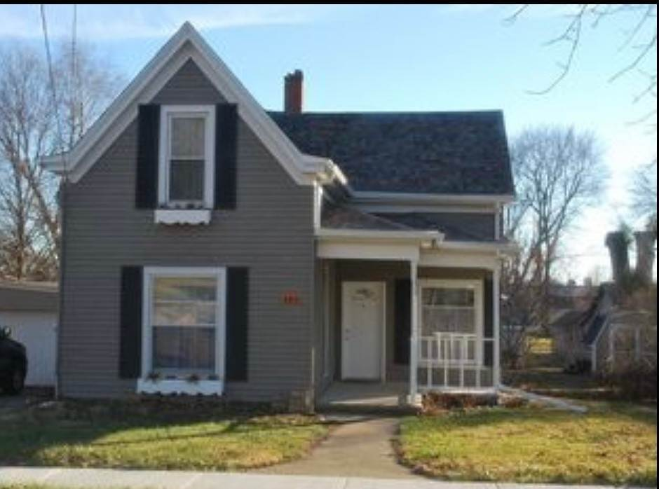 Single Family Homes for Sale at 405 Madison Street Mackinaw, Illinois 61755 United States