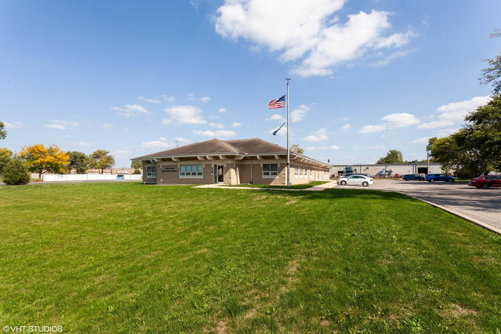 Commercial for Sale at 1661 Landmark Road Aurora, Illinois 60506 United States