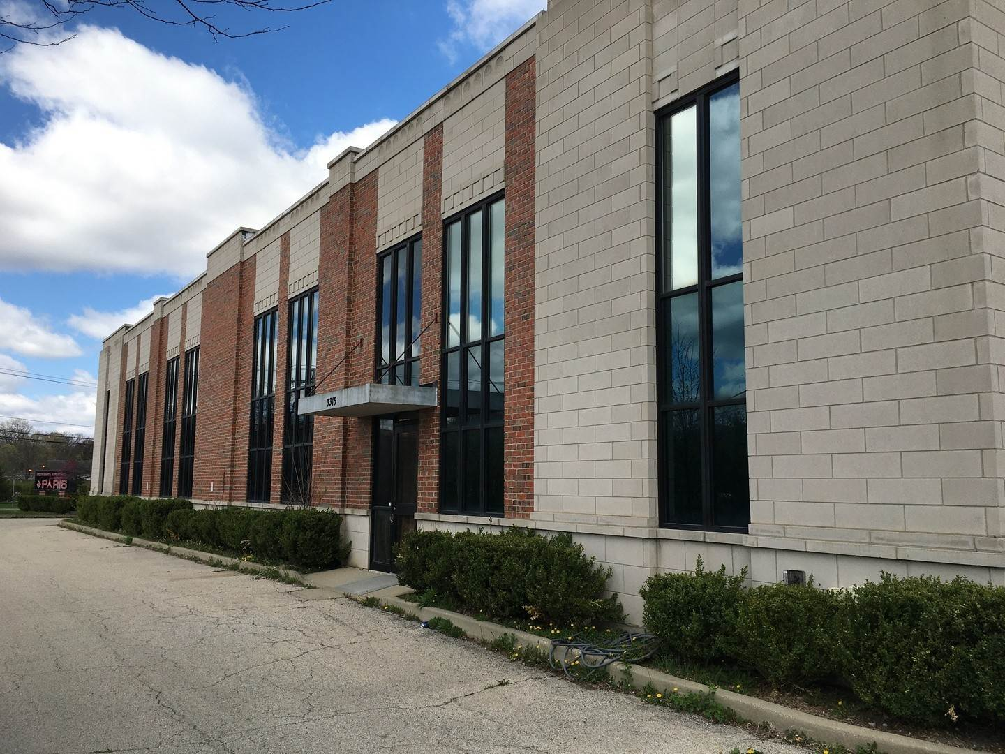 Commercial for Sale at 3315 Milwaukee Road Northbrook, Illinois 60062 United States