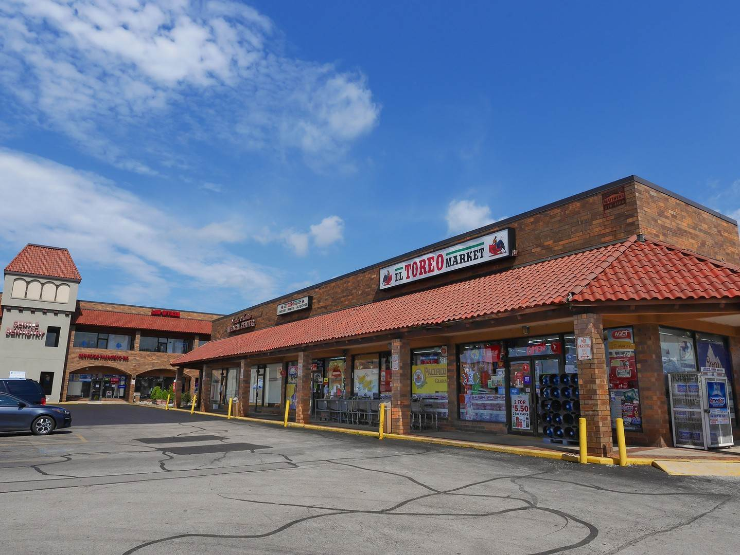 Commercial at 229 W Grand Avenue Bensenville, Illinois 60106 United States