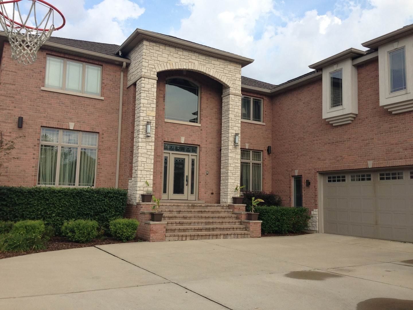 Single Family Homes for Sale at 433 Pleasant Drive Schaumburg, Illinois 60193 United States