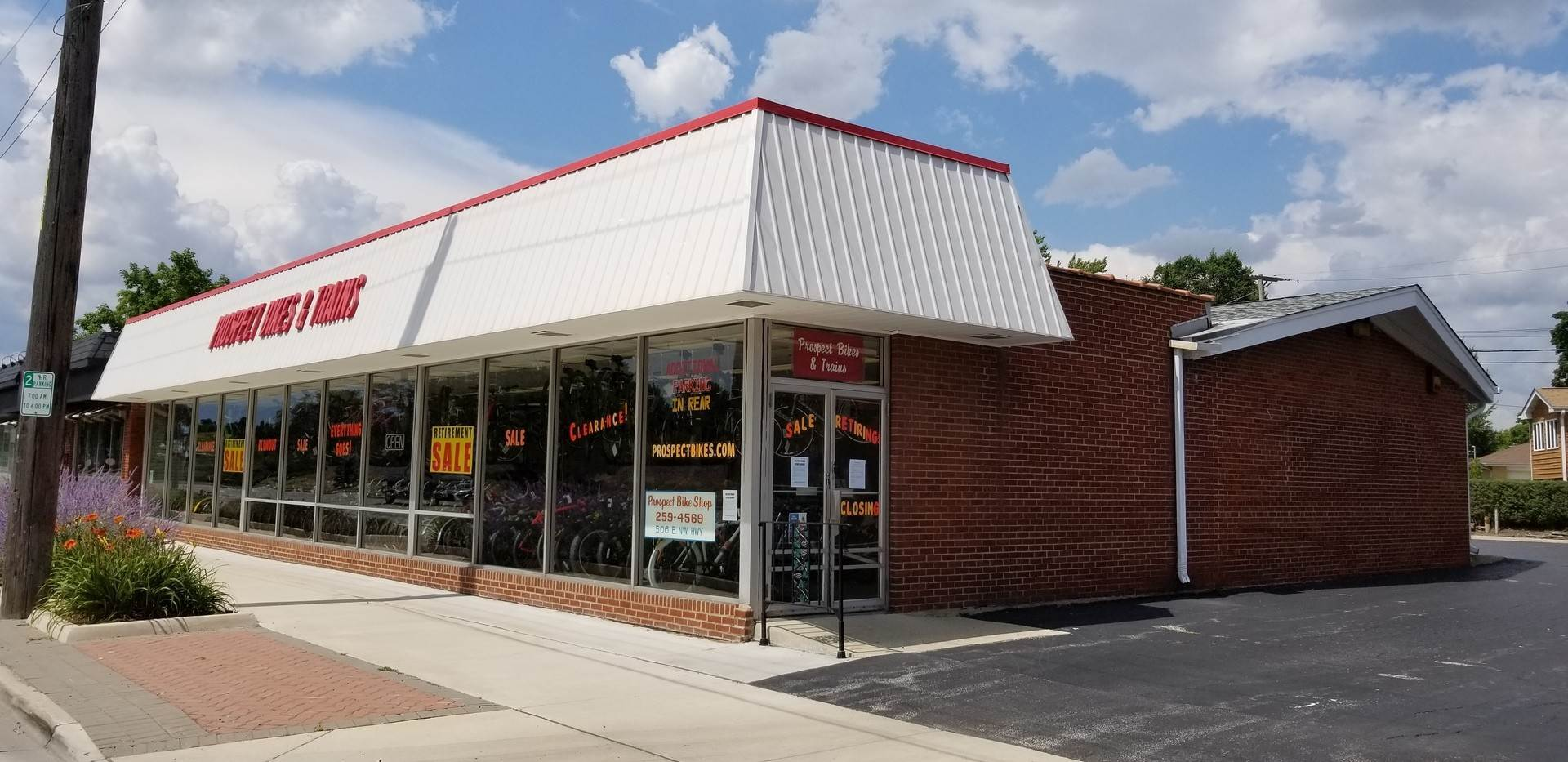 Commercial for Sale at 506 E Northwest Highway Mount Prospect, Illinois 60056 United States