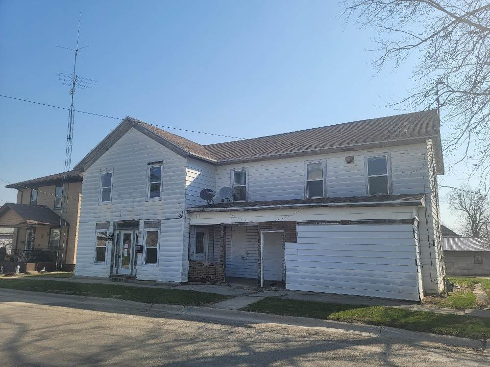 Single Family Homes for Sale at 125 S Hudson Street Stockton, Illinois 61085 United States