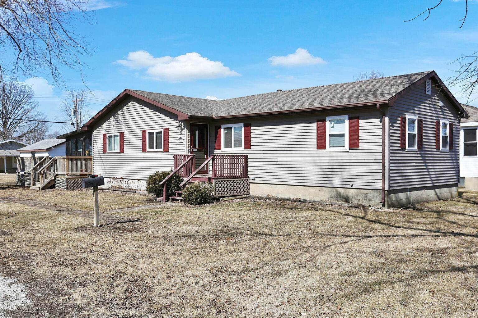 Single Family Homes for Sale at 528 E 6th Street Gibson City, Illinois 60936 United States