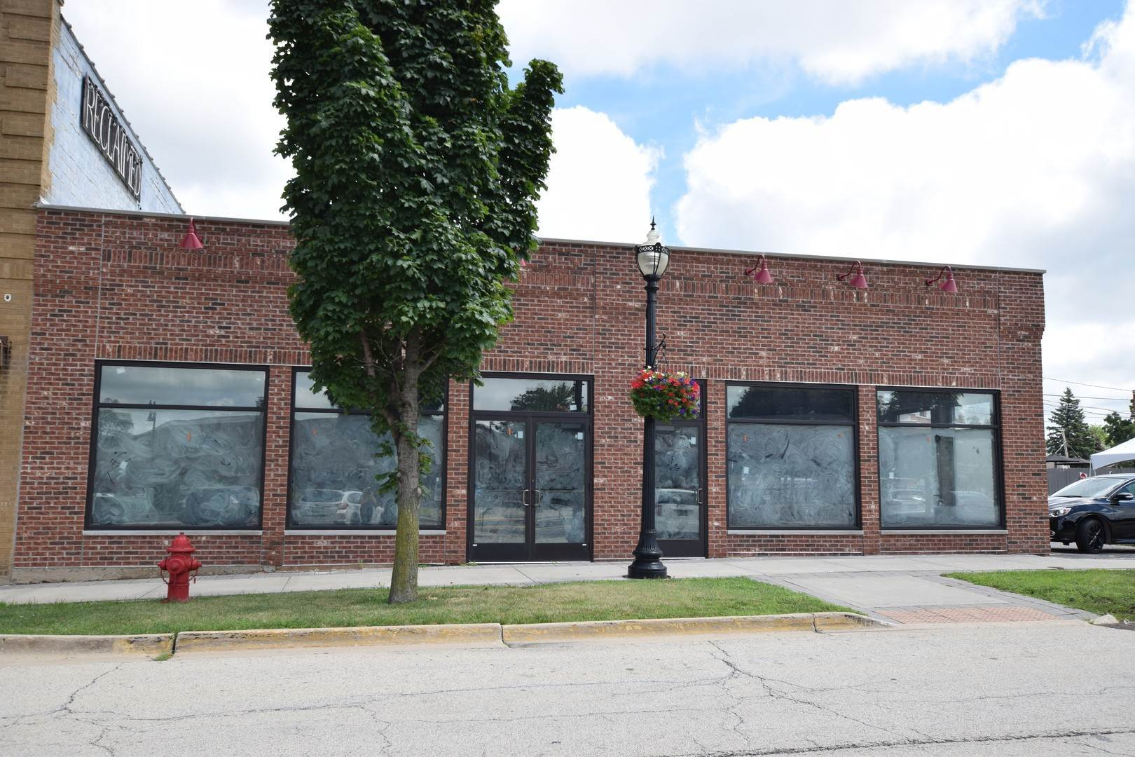 Commercial à 88 Railroad Street Crystal Lake, Illinois 60014 États-Unis