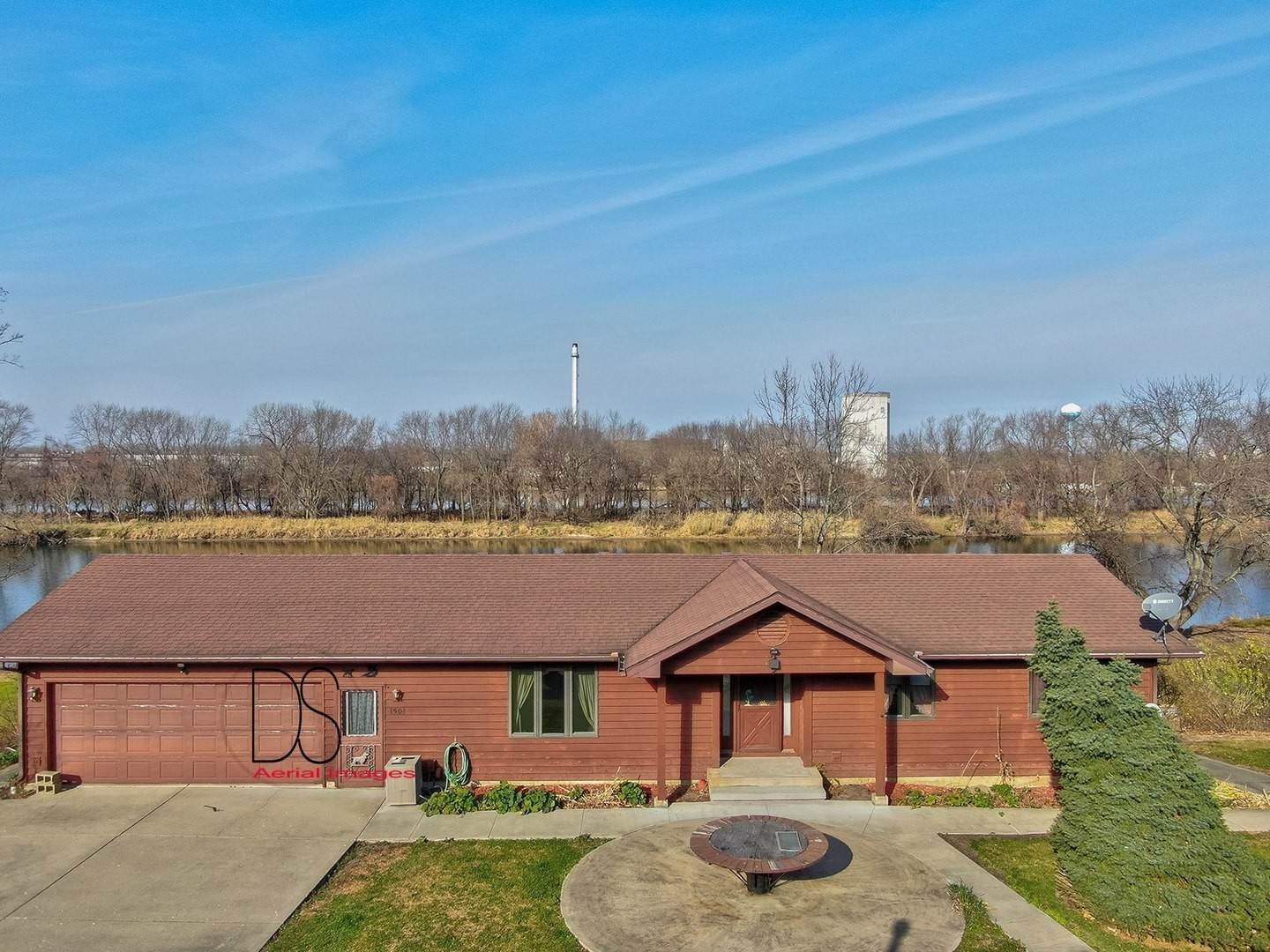 Single Family Homes for Sale at 1501 E State Route 71 Highway Ottawa, Illinois 61350 United States