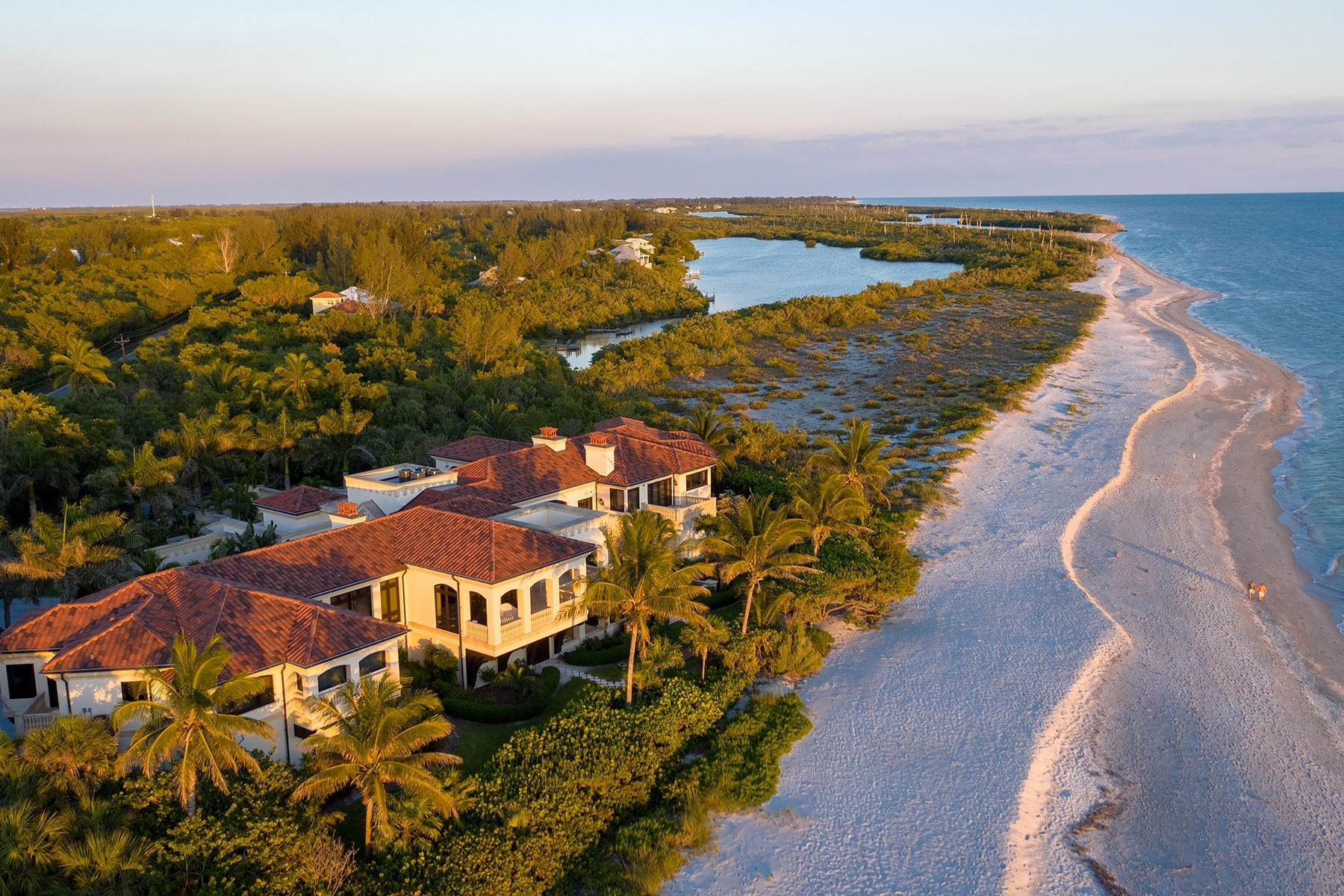 Single Family Homes for Sale at METES AND BOUNDS 6111 Sanibel Captiva Road Sanibel, Florida 33957 United States