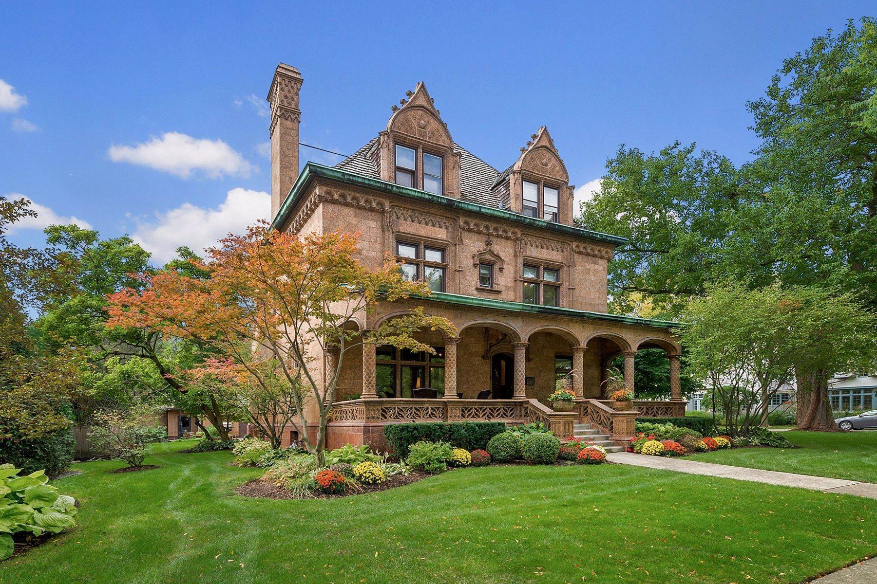 Single Family Homes for Sale at Hinsdale's Terra Cotta House 134 N Lincoln Street Hinsdale, Illinois 60521 United States