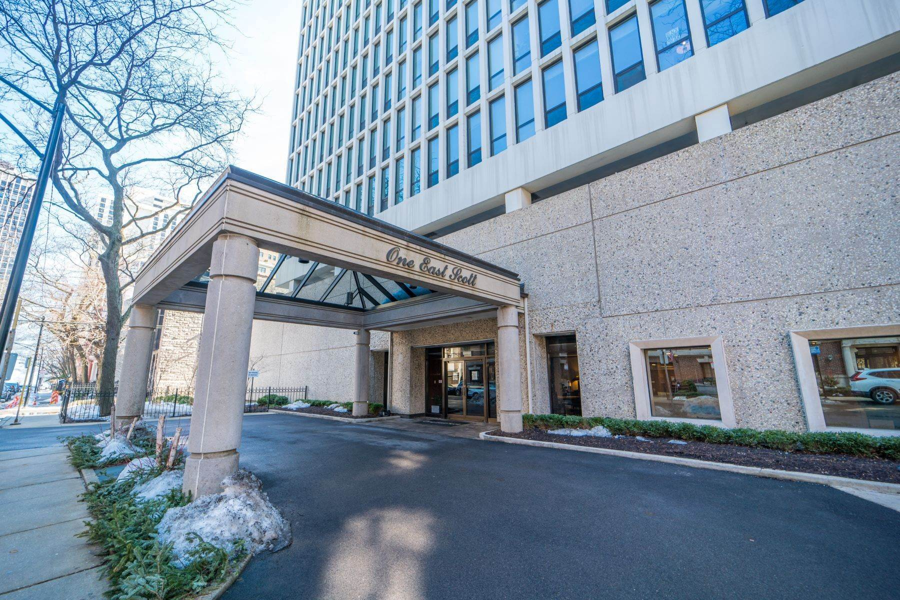 Property for Sale at Move in Ready Gold Coast Studio Condo 1 E Scott Street, Unit 906 Chicago, Illinois 60610 United States