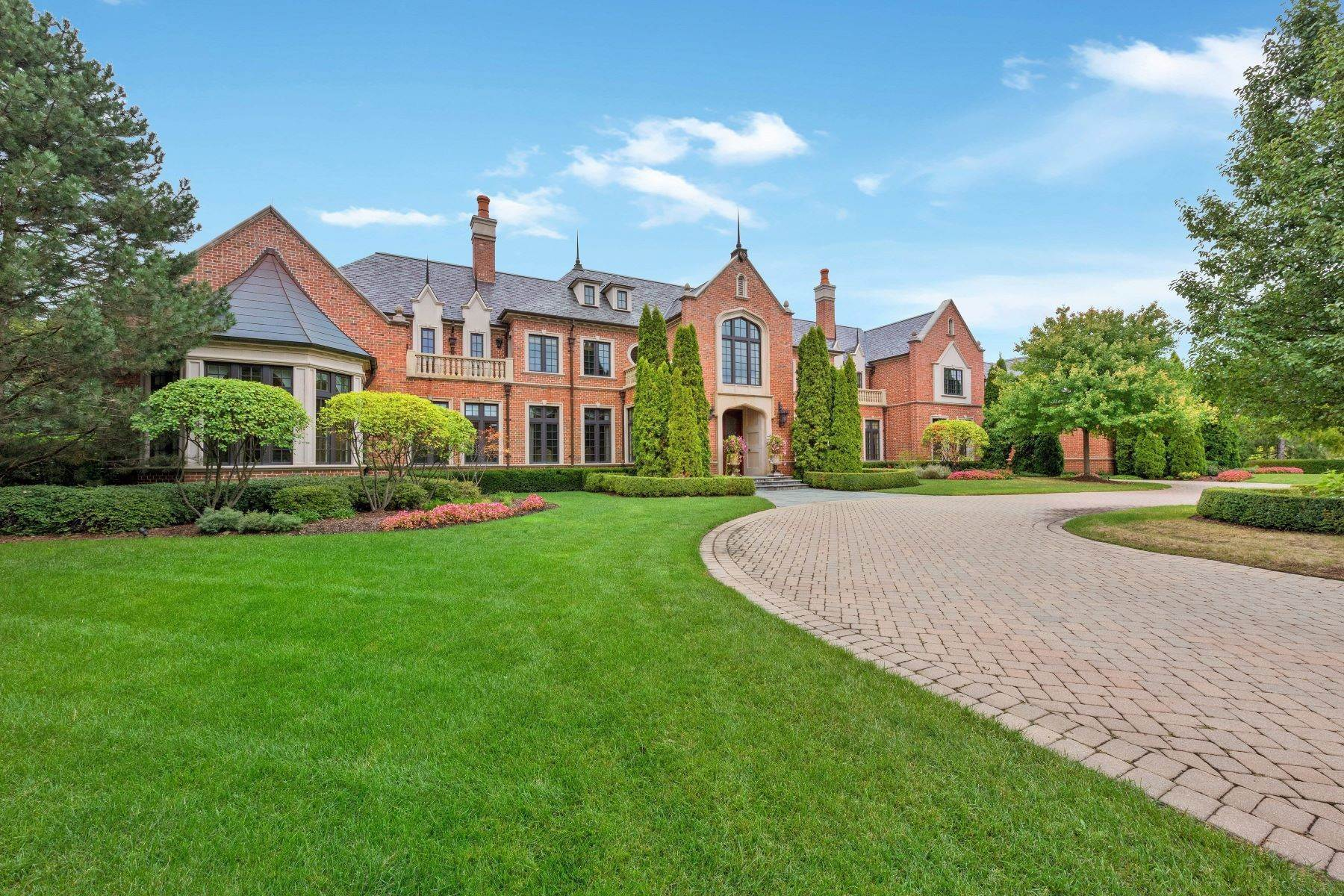 Single Family Homes 為 出售 在 Incredible Majestic Estate 3000 Oak Brook Hills Road Oak Brook, 伊利諾斯州 60523 美國