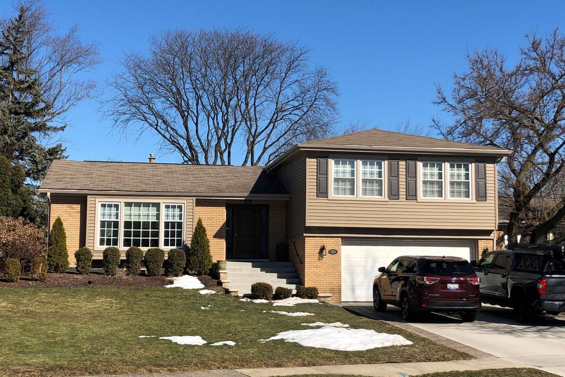 Single Family Homes for Sale at Remodeled Home 301 Columbine Drive Clarendon Hills, Illinois 60514 United States