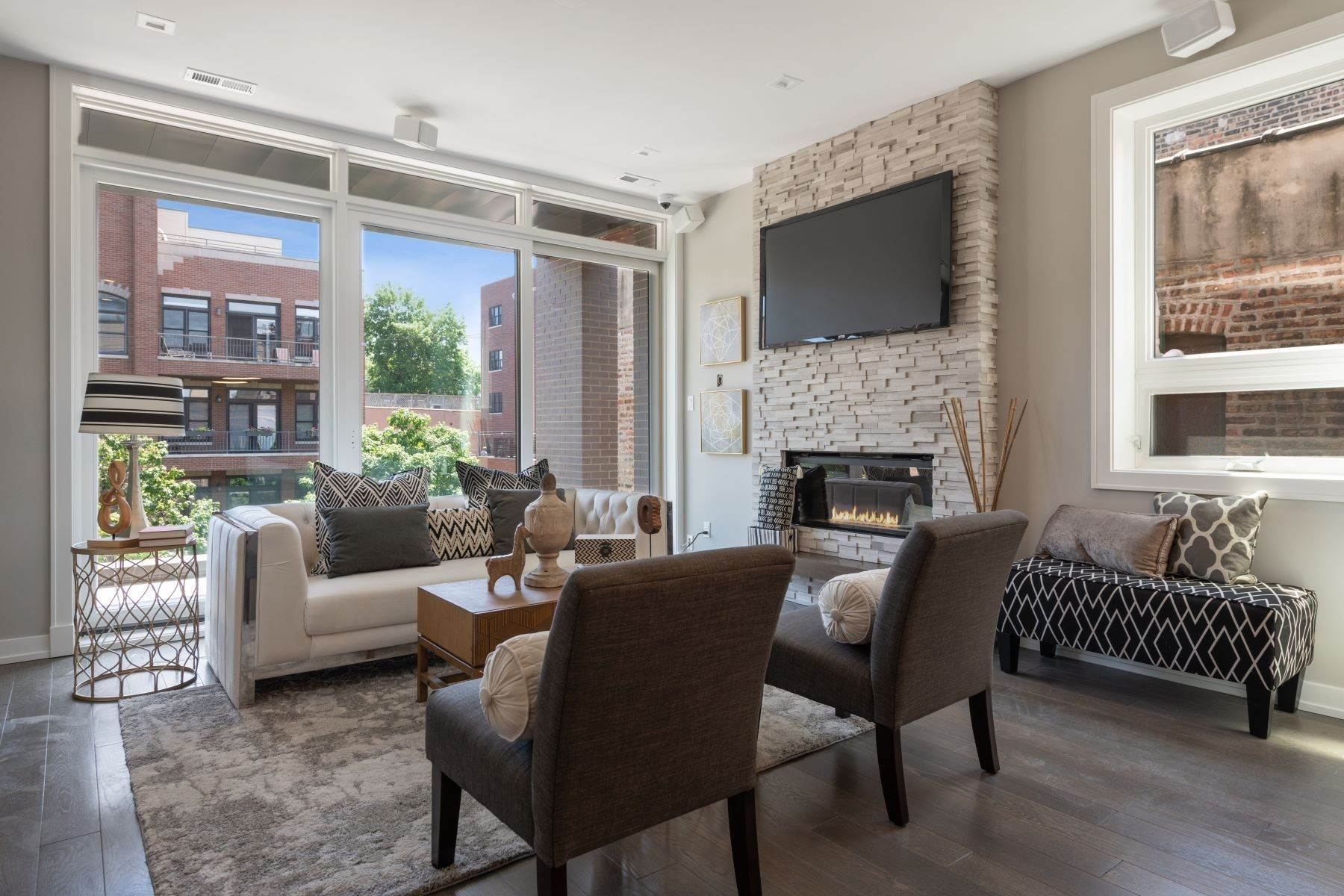 Duplex Homes for Sale at New Construction Duplex Penthouse 456 N May Street, Unit 3 Chicago, Illinois 60642 United States