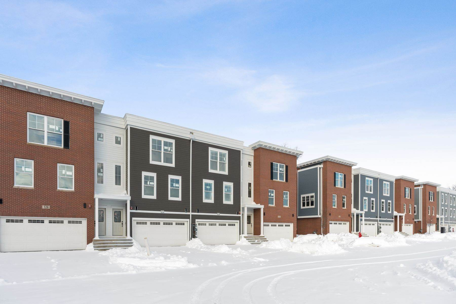 townhouses のために 売買 アット Sun Filled New Construction 524 Highland Parkway Itasca, イリノイ 60143 アメリカ