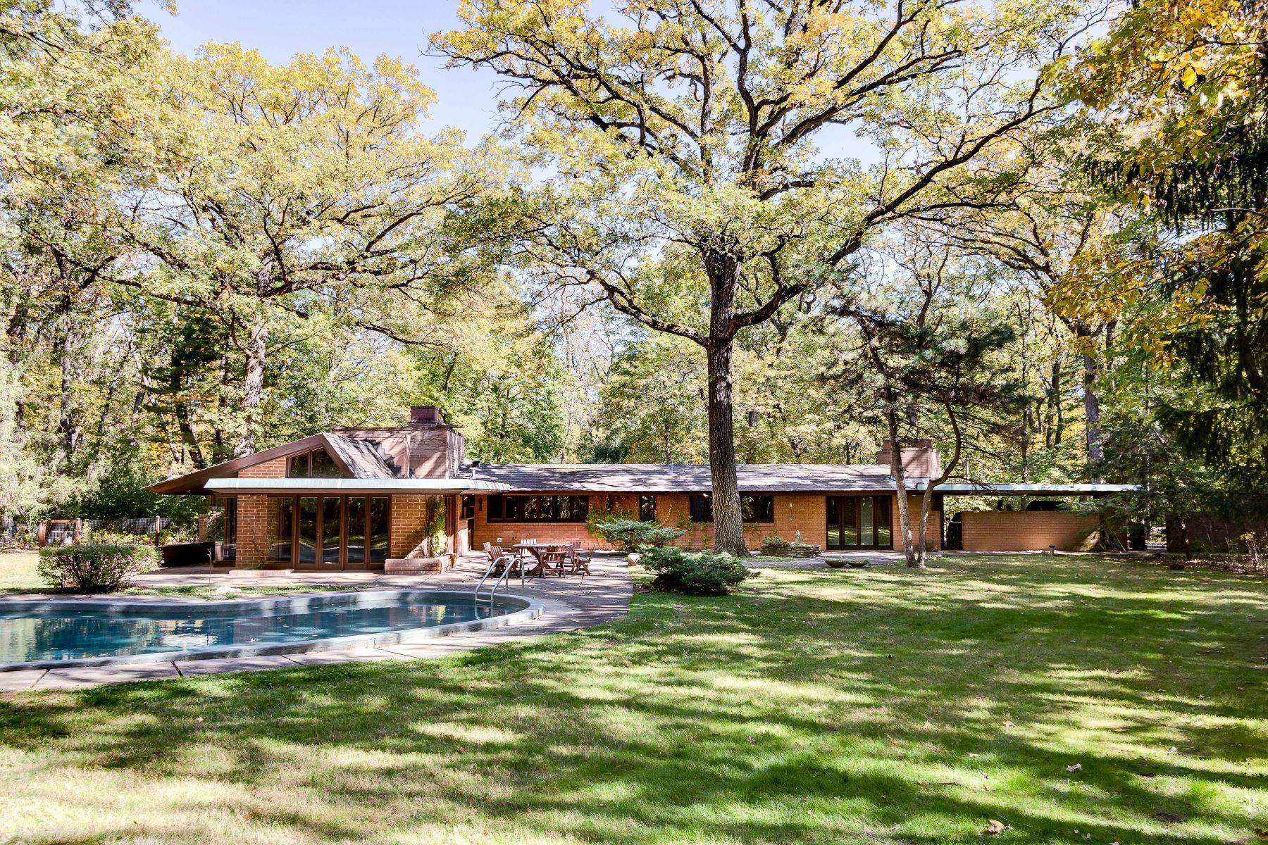 Single Family Homes for Sale at Glenview's Only Frank Lloyd Wright Designed Home 1544 Portage Run Glenview, Illinois 60025 United States