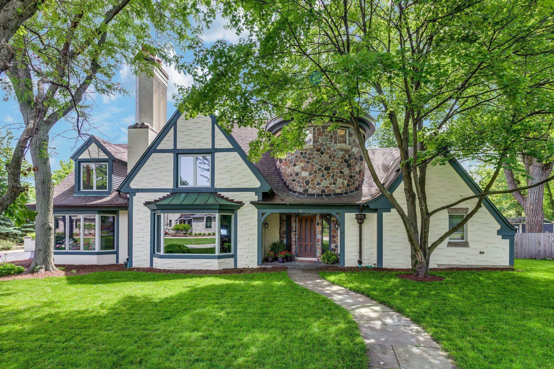 Property for Sale at Prepare to be Charmed 10 Henneberry Lane Golf, Illinois 60029 United States