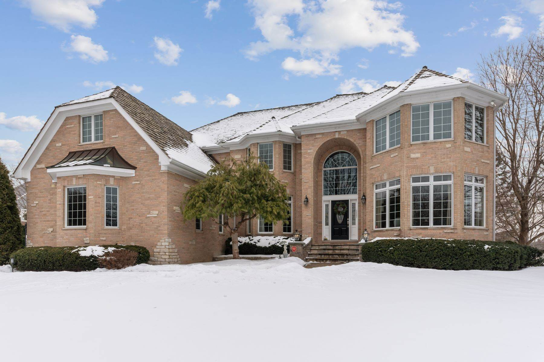 Single Family Homes for Sale at Extensive Detail And Custom Design 51 Stratham Circle North Barrington, Illinois 60010 United States