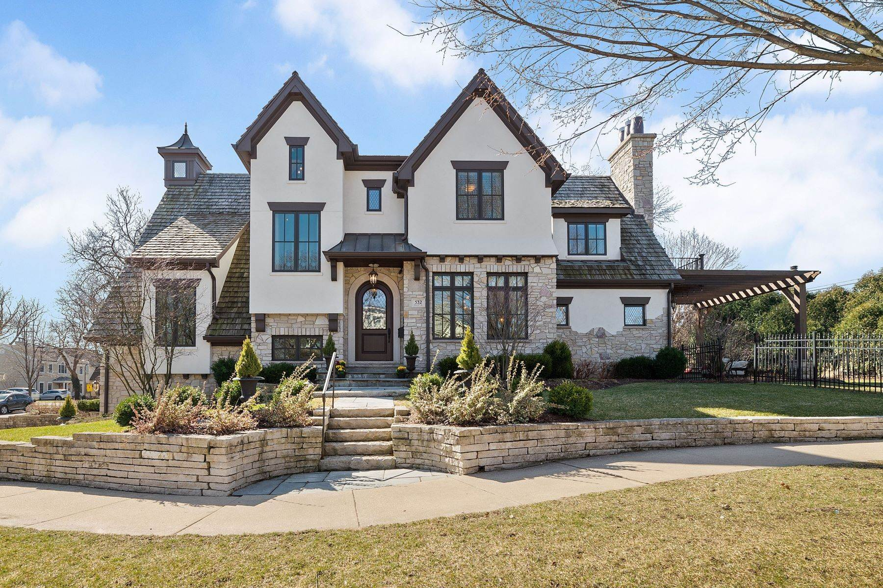 Single Family Homes for Sale at Top To Bottom Fabulous 532 W Eighth Street Hinsdale, Illinois 60521 United States