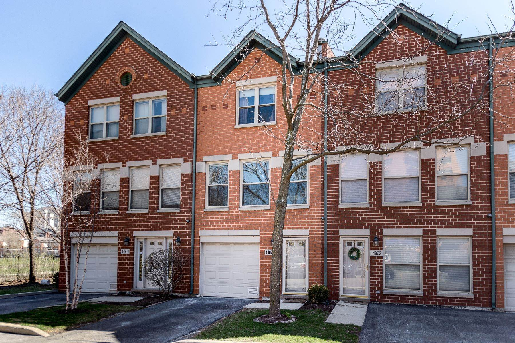 townhouses for Sale at Sophisticated Three Story Townhome 1487 N Clybourn Avenue, Unit H Chicago, Illinois 60610 United States
