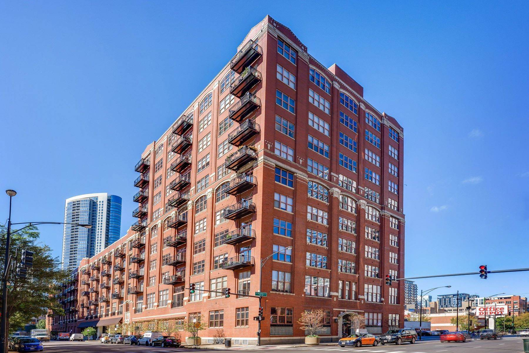 Duplex Homes for Sale at 360 W Illinois Street Unit 611, Chicago, IL 60654 360 W Illinois Street, Unit 611 Chicago, Illinois 60654 United States